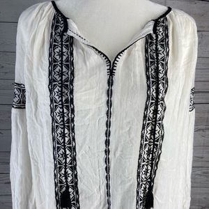 Lucky brand vintage embroidered peasant top Black